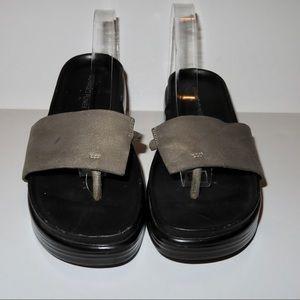 Donald J Pliner FiFi Platform Thong Sandals 7M
